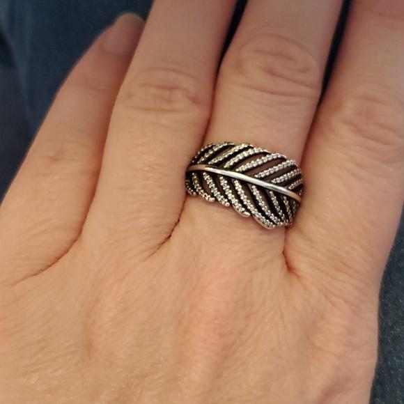 2 for $35🍒Pandora silver  leaf ring